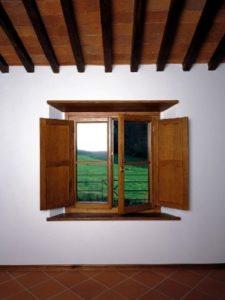finestra legno classica